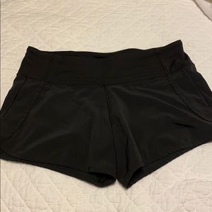 Lululemon Women's running shorts Size 6